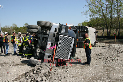 Revere, MA - Truck Accident, Ward Street, 5-14-08