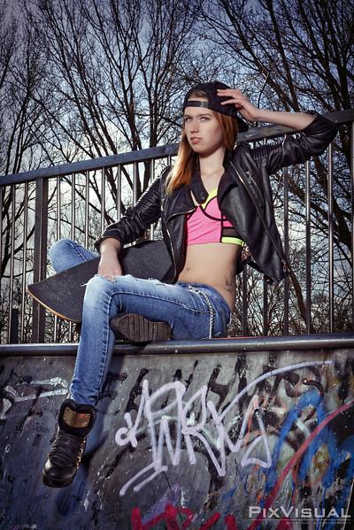 Michele skateboard 06.jpg