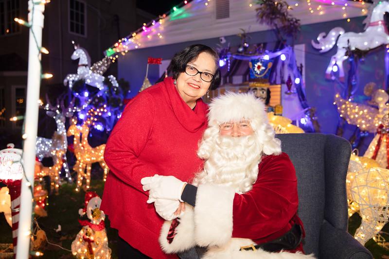 12-08-19-Christmas With Chris & Family-40.jpg