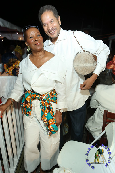MAXINE GREAVES PURE WHITE ONTHE BAY A TOUCH OF AFRICA-186.jpg