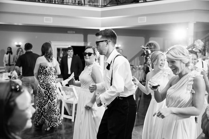 1035_Josh+Lindsey_WeddingBW.jpg