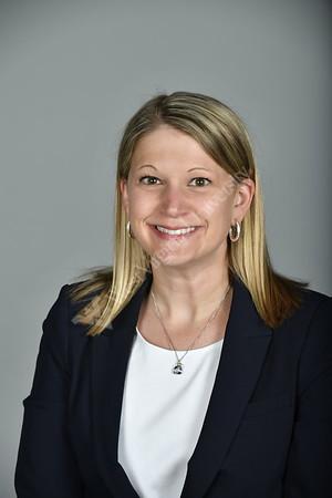 33571 Kelly Lowrey Regional Recruiter Portrait
