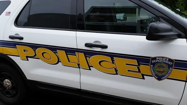 Plainville_police_cruiser-M.jpg