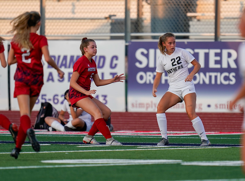 CCHS-vsoccer-pineview1241.jpg