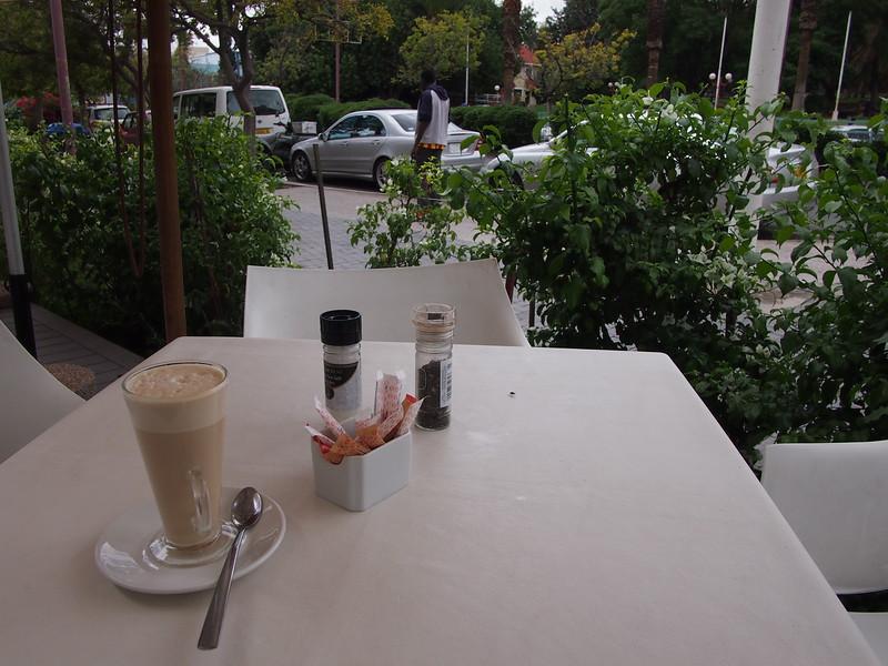 P3281231-street-cafe.JPG