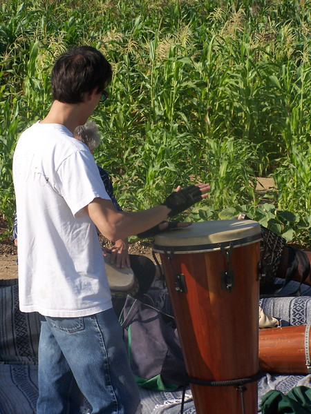 2005-10-02_LASHP_Drum-Circle_001.JPG