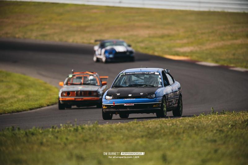 DW-Burnett-PUPPYKNUCKLES-AER-NJMP-2016_DSC8405.jpg