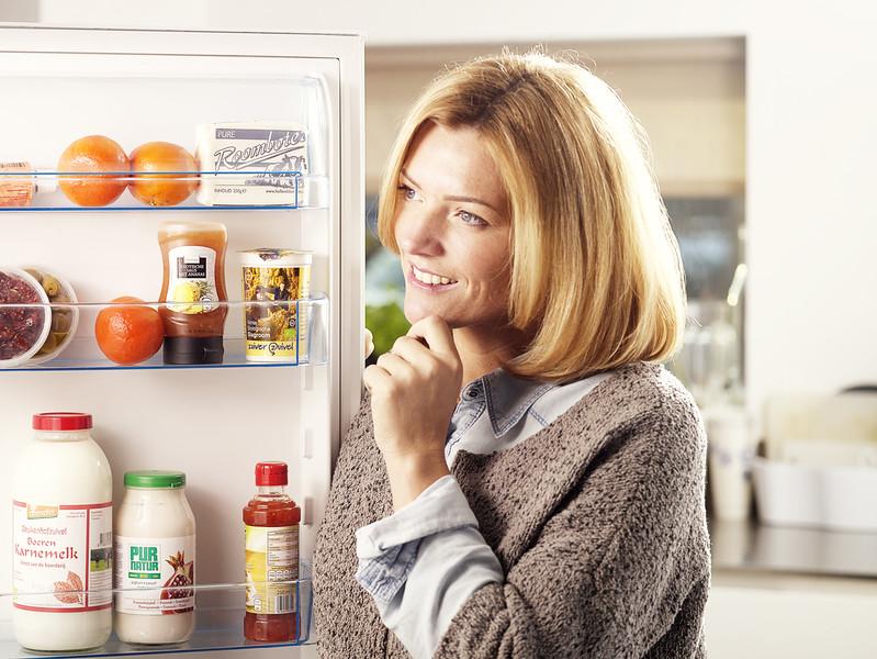 koelkast-vrouw02.jpg