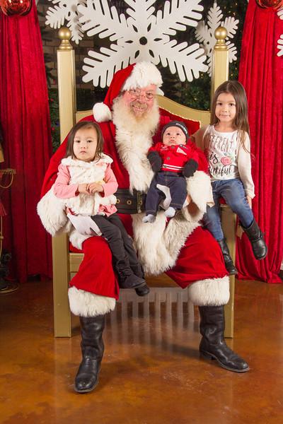 Santa 12-16-17-402.jpg