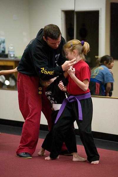 karate-120611-06.jpg