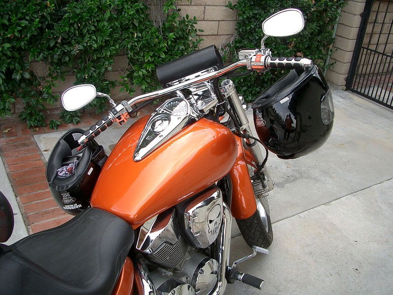 Item 1002-C on a Honda VTX1300 with Kuryakyn ISO Grips.