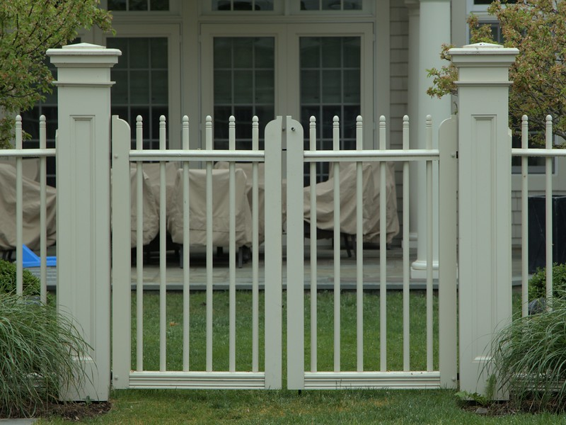 "185 - 326760 - Briarcliff Manor NY - Custom Cambridge Double Gate with 8"" Wenham Posts"