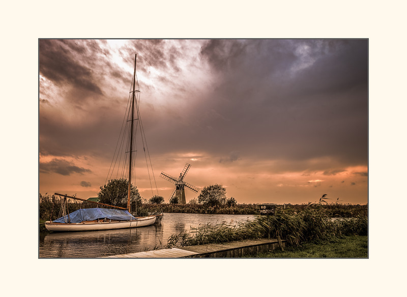 Autumn sunset on the Norfolk Broads .jpg
