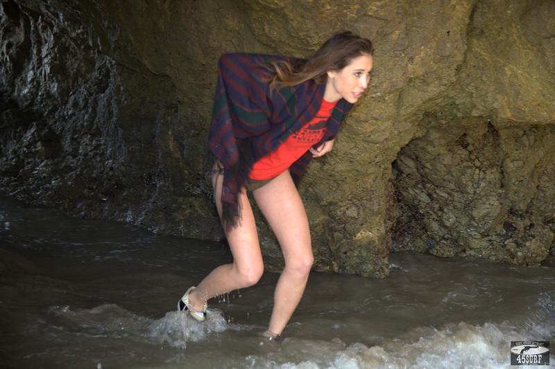 45surf bikini swimsuit model hot pretty beauty beautiful hot hot 291,.,.,..jpg