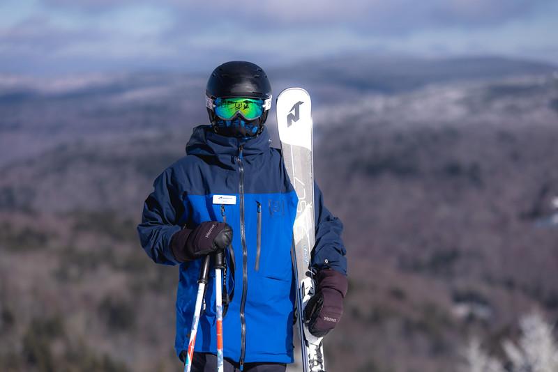 2020-12-06_SN_KS_Ski School Mask Winter Photos-7147.jpg