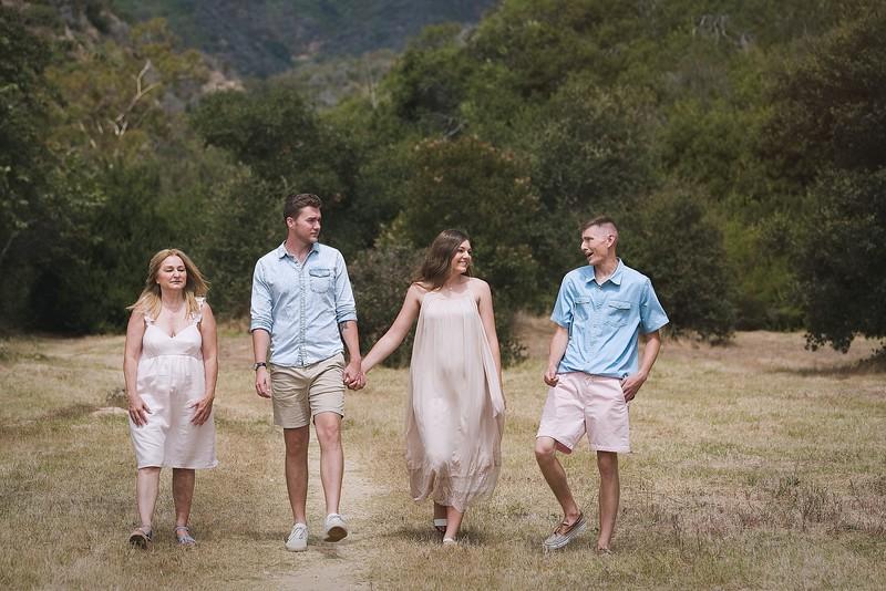 Los Leones Canyon Family Portrait -092.jpg