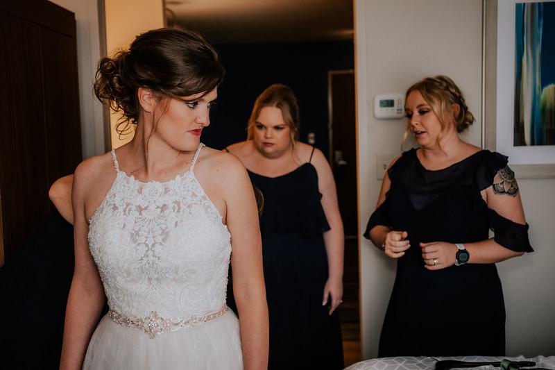 PREP // BRIDE GETTING READY