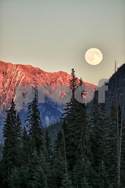 Vermillion Lakes & moon, Banff 5061_HDR.jpg