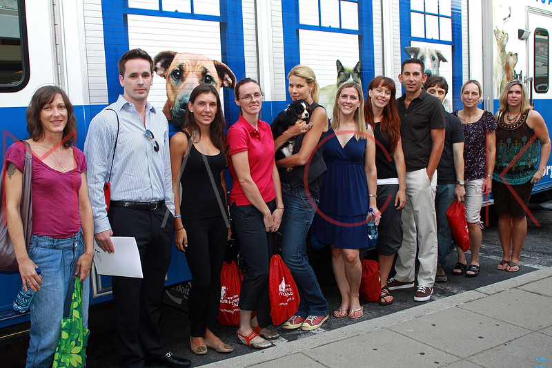 PORT WASHINGTON, NY - AUGUST 17:  ** EXCLUSIVE COVERAGE ** Animal League Spokesperson, Beth Stern (middle) attends the visit of team animal league at North Shore Animal League America on August 17, 2010 in Port Washington, New York.  (Photo by Steve Mack/S.D. Mack Pictures) *** Local Caption *** Beth Stern