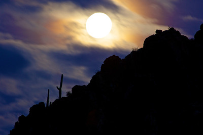 Gates Pass Moonrise-Tucson, AZ
