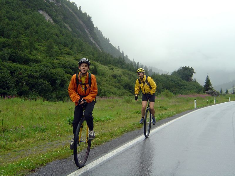 [KL] August 3 (82km/481m): Climbing our first pass, Flexenpass (1773m), in rain.  Maps/GPS/Heart rate: at Motionbased in GoogleEarth at Google Maps