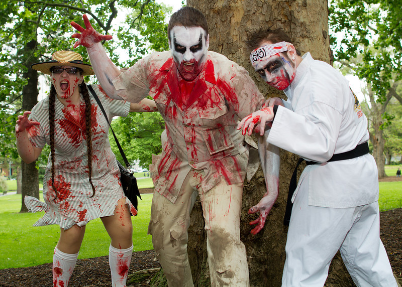 Three zombies at Carlton Gardens