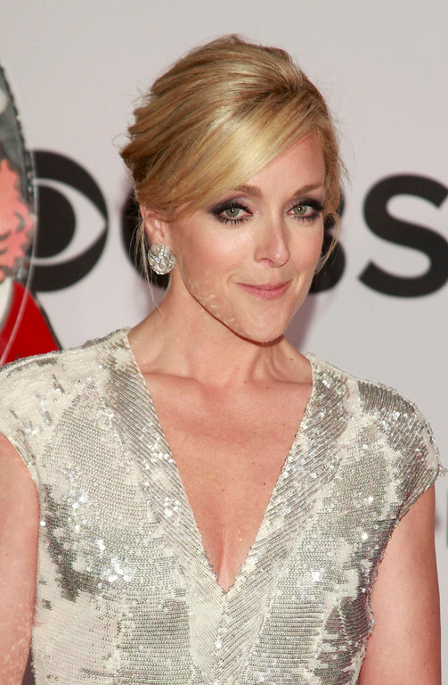 . Actress Jane Krakowski arrives to the American Theatre Wing\'s annual Tony Awards in New York June 9, 2013. REUTERS/Carlo Allegri