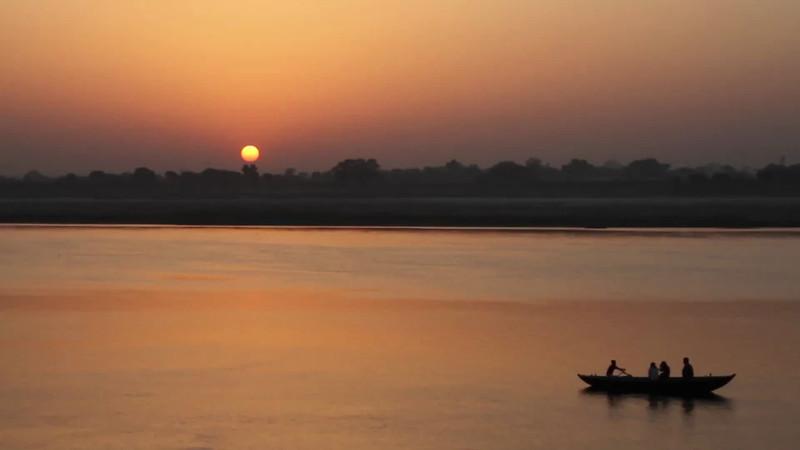 A travel short on the sacred Ganges.