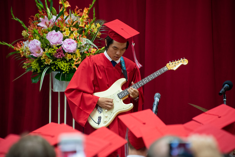 Senior -Graduation-YIS_3112-2018-19.jpg