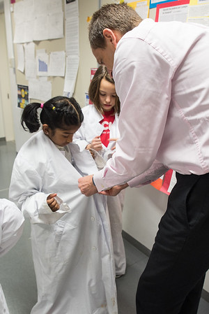 Grade 2 Visits the HS Science Lab