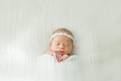 Danielle F Newborn