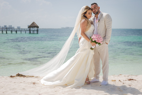 B245298C1_Fred&Annette_RIUCaribe_Canvas_nextday