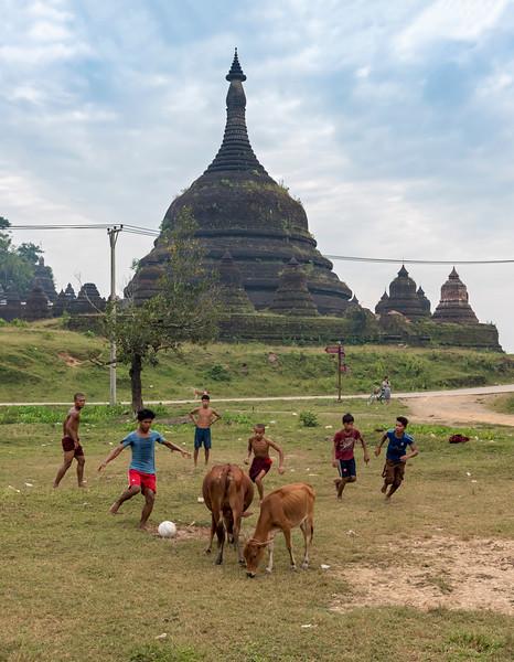Village Football, Burma