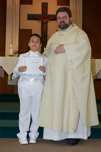Communion Hispanic-9144-12 4x6.JPG