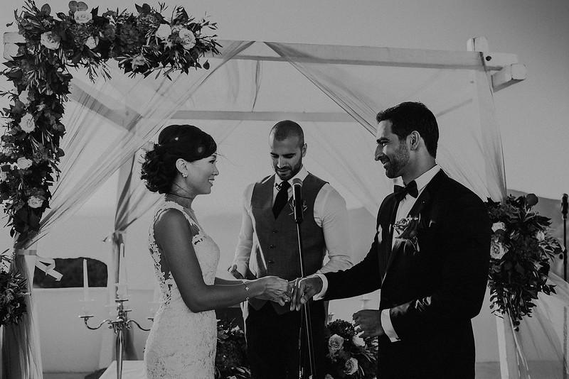 Tu-Nguyen-Destination-Wedding-Photographer-Santorini-Rocabella-Hotel-Euna-Ehsan-460.jpg