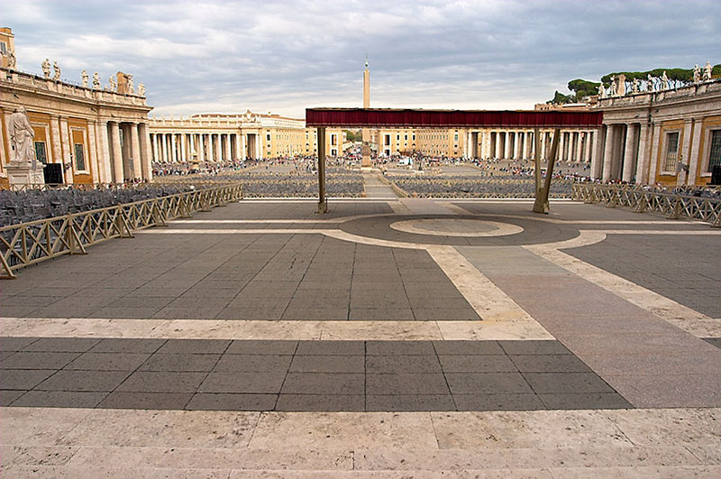Looking out on the Square from the steps of Saint Peter's.