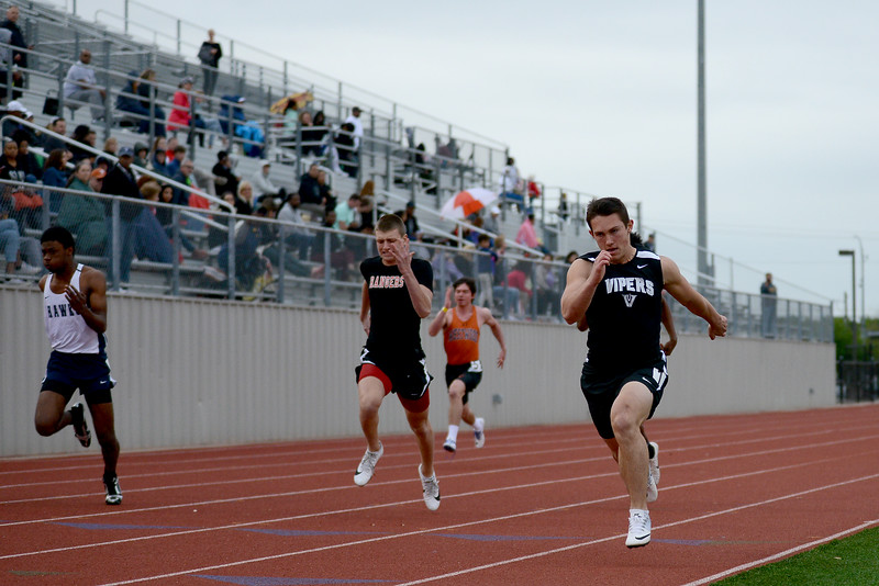 HS-Track-13-6A-District-Championships_019.jpg