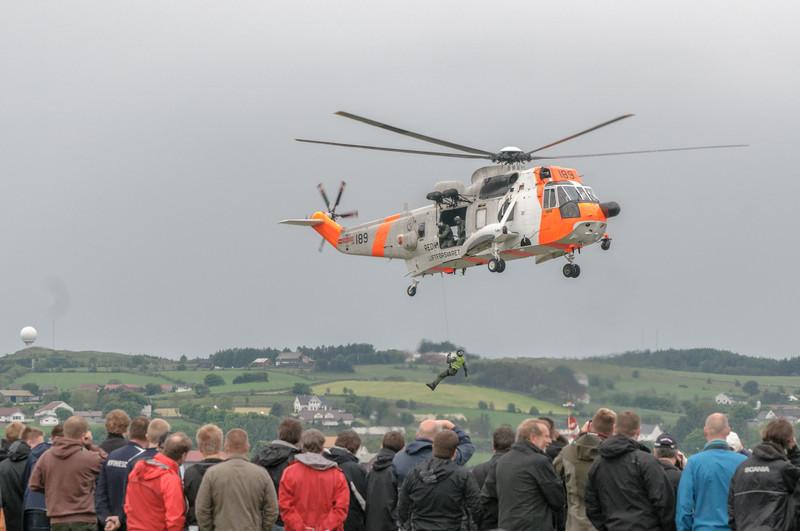 Nach dieser Demonstration des Rettungshelikopters musste die Mannschaft direkt zu einem Einsatz.