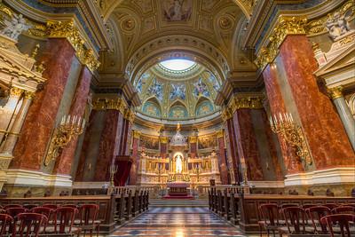 St Stephens Basilica Budapest (inside)