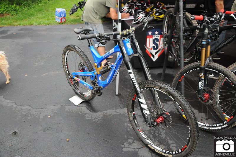 Cane Creek Intense Bikes Demo 006.jpg