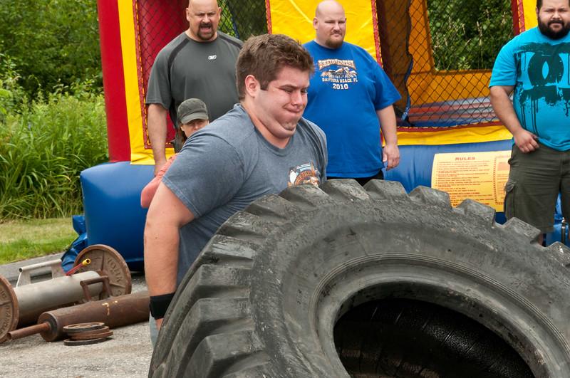 Fitness Revolution Strongman Challenge 2011_ERF4088.jpg