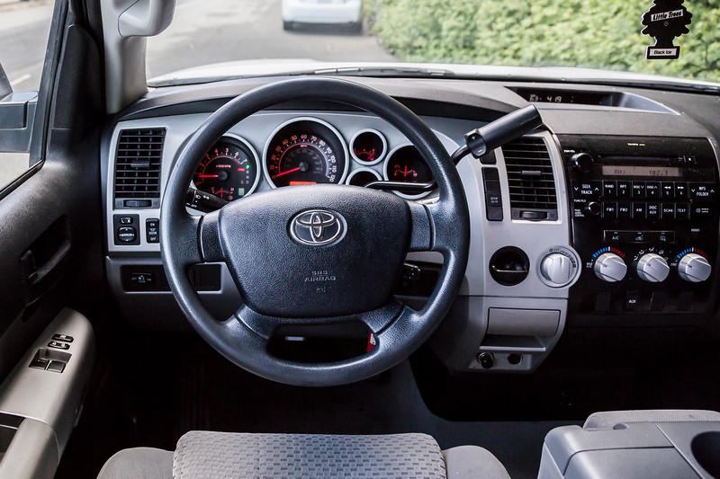 Toyota_Tundra_White_11819c1-6608.jpg