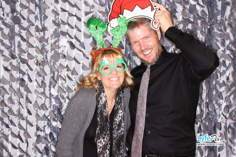 red-hawk-2017-holiday-party-beltsville-maryland-sheraton-photo-booth-0232.jpg