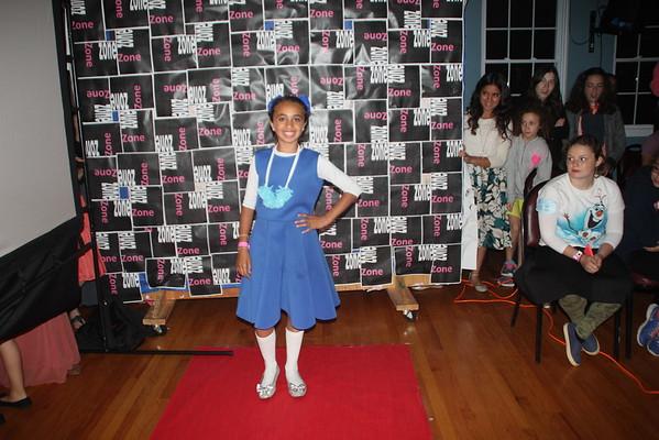 Tzniut Fashion Show