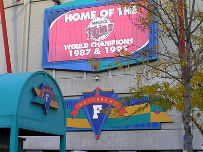 2004 10 08:  Yanks at Twins, Metrodome