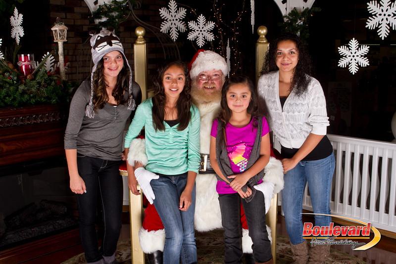 Santa Dec 15-104.jpg