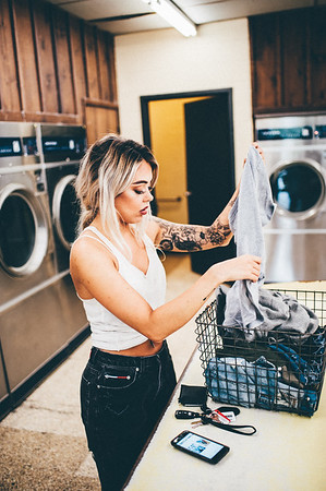 Paisley Laundromat Full