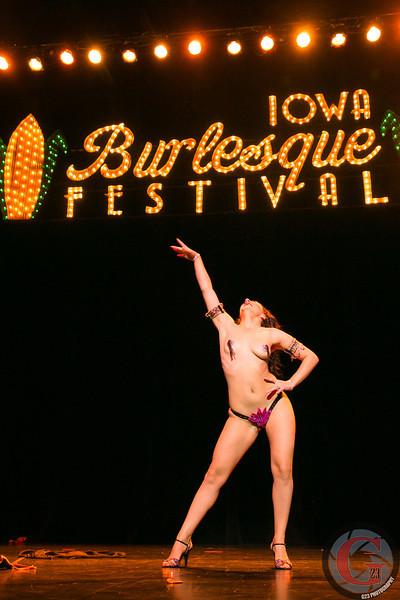 burlesque day2 edits (246 of 123).jpg