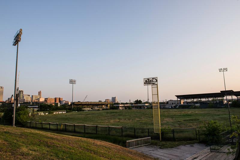 2019-05-27 Abandoned LaGrave Field 021.jpg