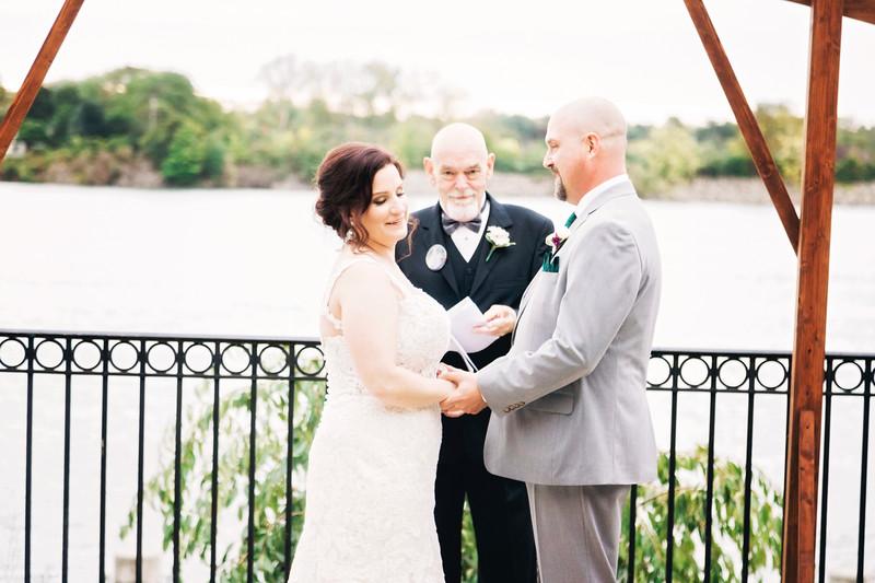 chateau-on-the-river-trenton-michigan-wedding-0292.jpg